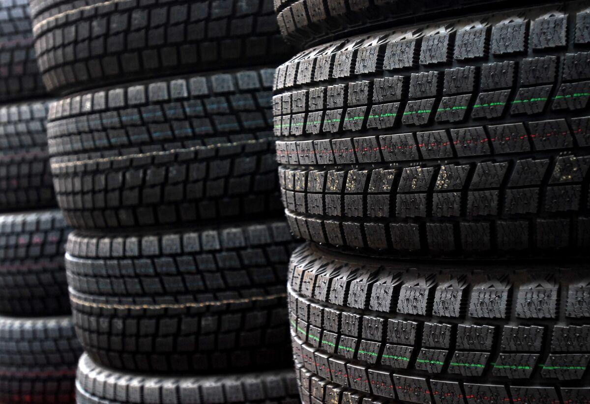 Bridgestone's $1.8 Billion Buyback Joins Spree of Japanese Deals