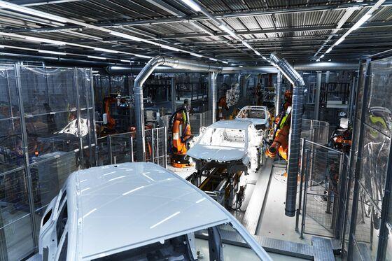 BMW Touts Greener Factories to Win Over Buyers, Regulators