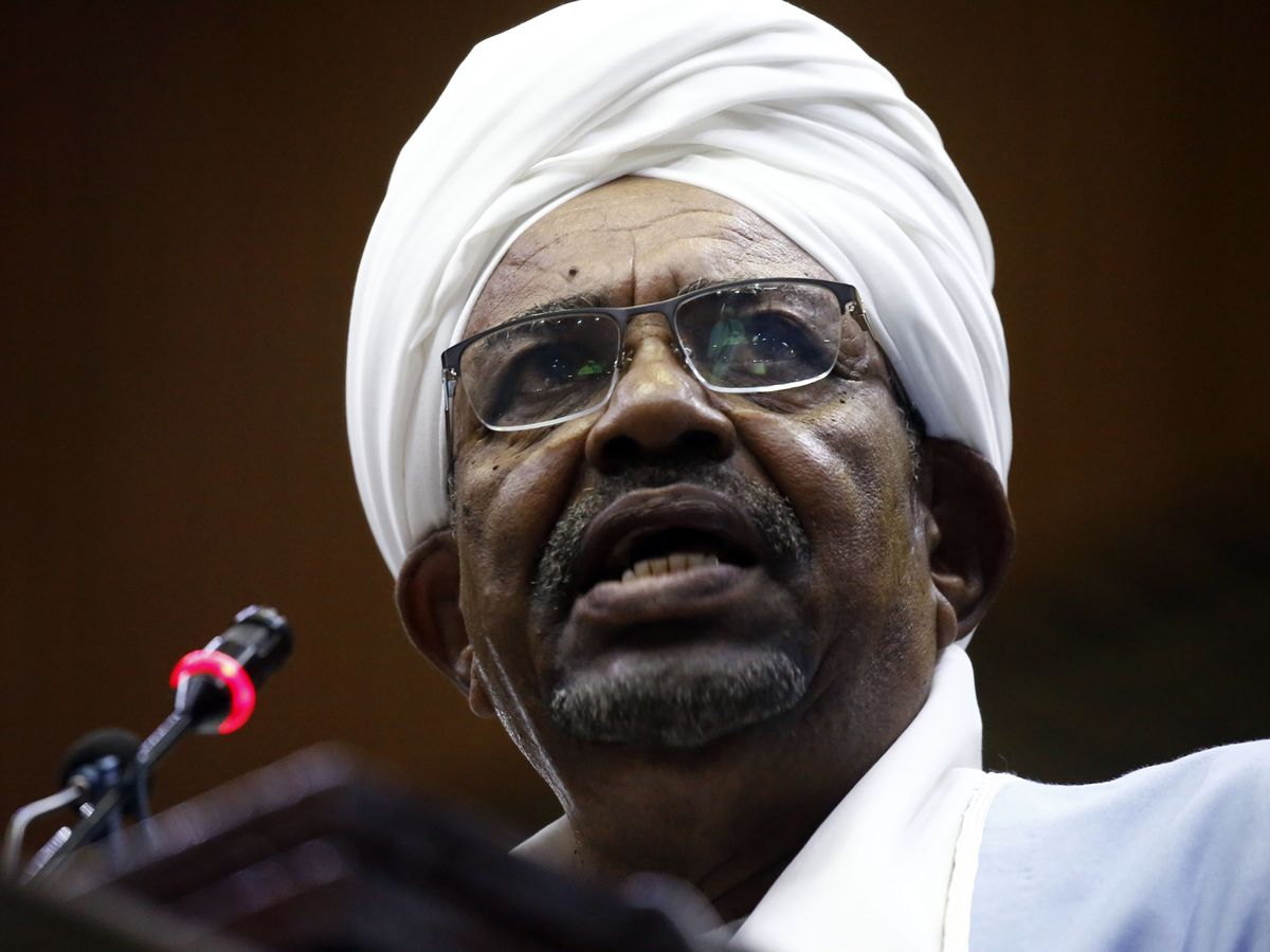 100 Lawyers in Tow, Sudan's Ousted Leader Appears at Graft Trial