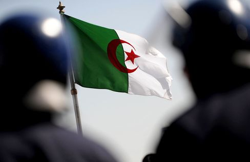 ALGERIA-POLITICS-UNREST