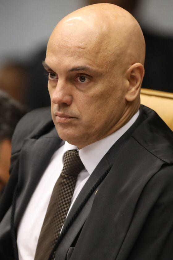 Fake News Probe Fuels Crisis Between Bolsonaro and Top Court