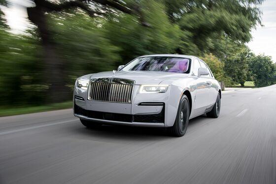 Low Car Supply Forces Wealthy to Buy Used Rolls-Royces, Bentleys