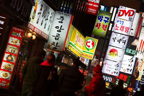 Korea Seen Resisting Rate Cut as Won Threatens Exports