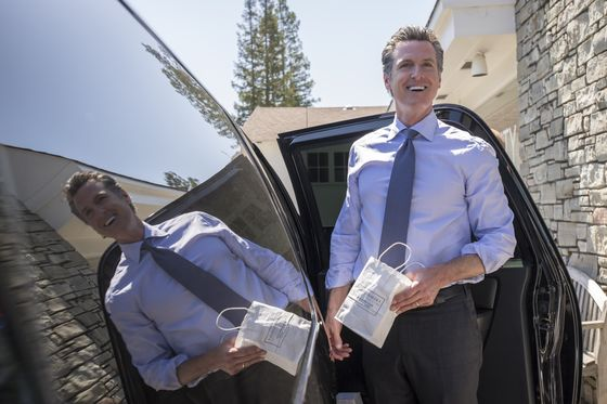 California Governor's Race Pits Newsom Against Trump-Backed Cox