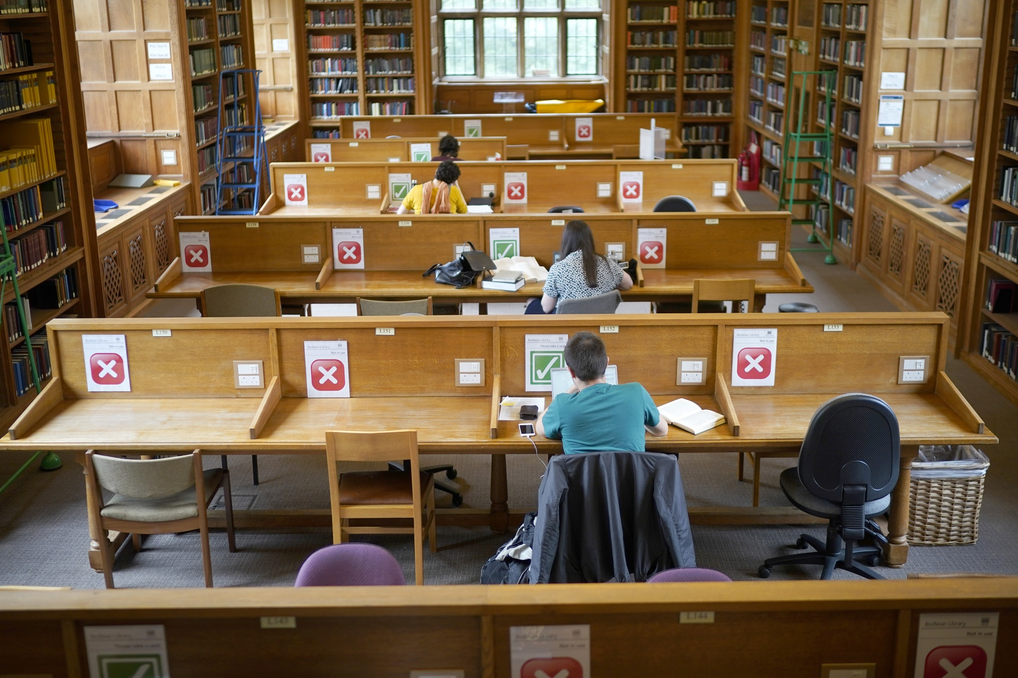 Oxford's Famous Bodleian Library Reopens After Coronavirus Shutdown