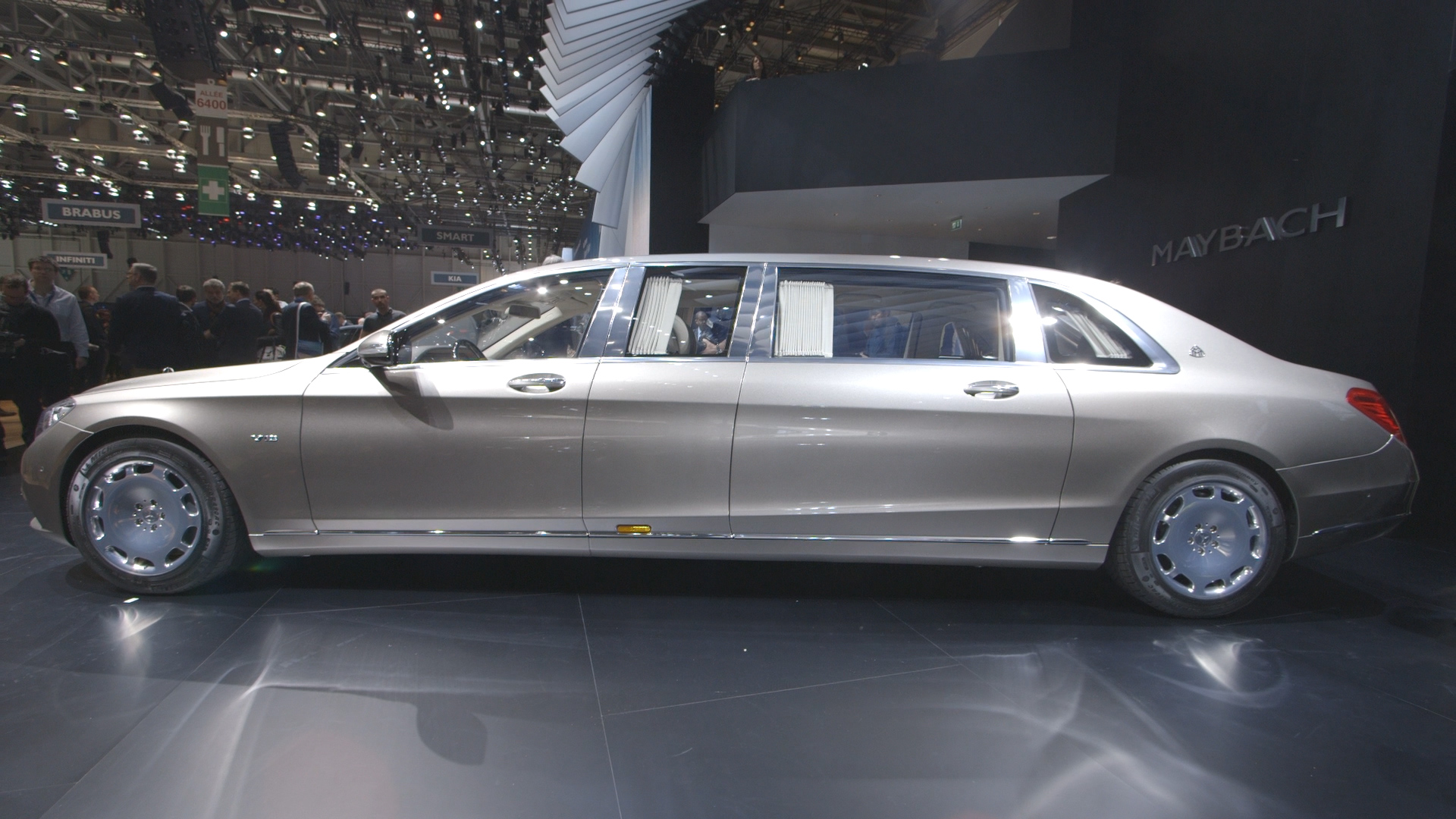 First Look M Armored MercedesMaybach Pullman Bloomberg - 1 million mercedes coolest armoured vehicle ever