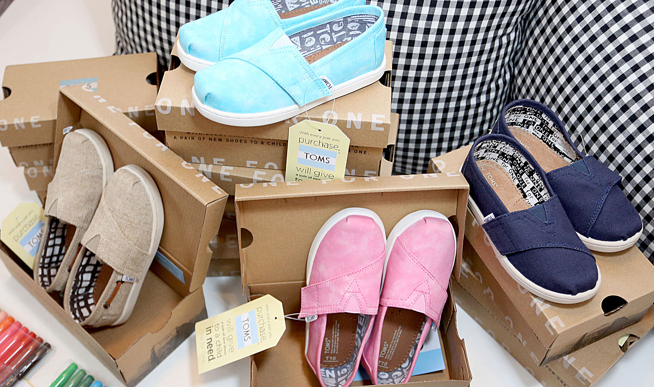 1aceb82b2c4 Even Wall Street Couldn t Protect Toms Shoes From Retail s Storm - Bloomberg