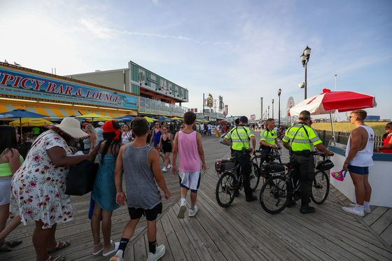 'Jersey Shore' Crowd Stokes Fear With Jump in Teen Covid Cases