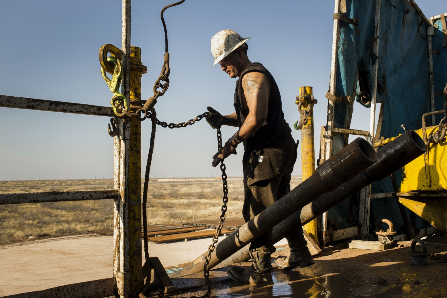 Oil-Bust Veterans Brace For Storm Unseen By Shale-Boom Neophytes