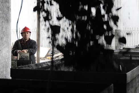 China Vows to Tackle Overcapacity as Industries Suffer