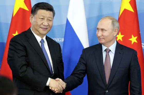 Under Pressure From Trump, Putin andXi Pledge Closer Ties