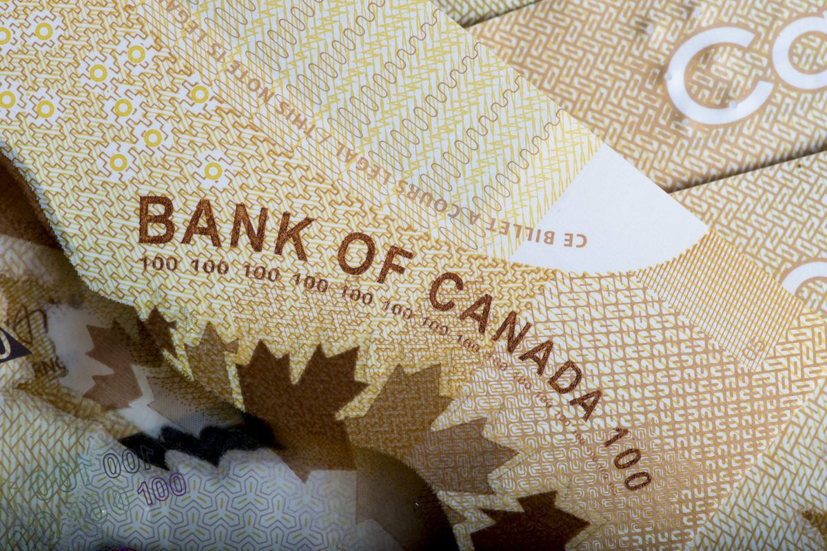 bloomberg.com - Esteban Duarte - Canada Turns to Long-Term Debt to Finance Spike in Deficit
