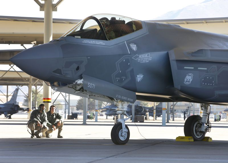 Why Americas Two Top Fighter Jets Cant Talk to Each Other – Trending Stuff