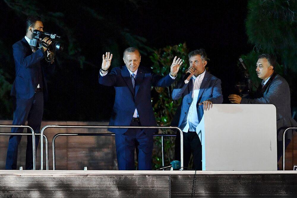 Η νίκη του Ερντογάν δεν είναι και νίκη για τη λίρα