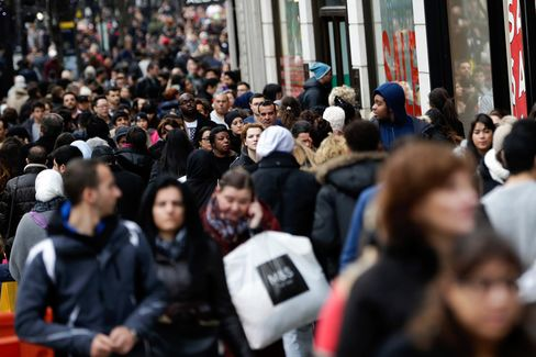 Shoppers Out To Bag Bargains On The First Day Of The Holiday Sales