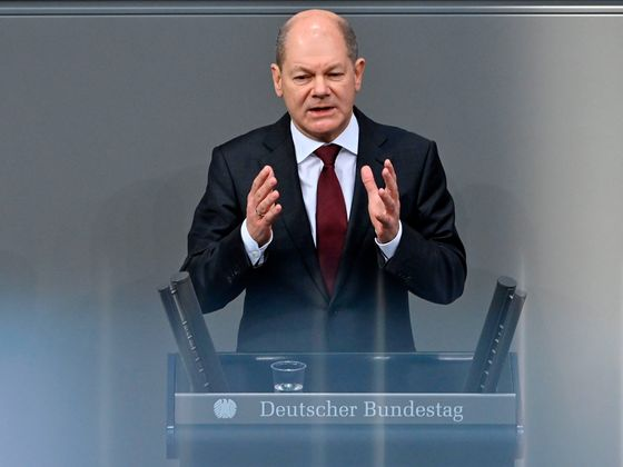 Germany's Scholz Calls for Spending to Spur Growth Out of Crisis