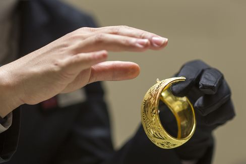 China Dowry Buyer Seeking Gold Signals Gains at Jewelers