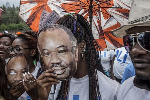 Supporters of Ali Bongo at a rally in Moanda on Aug. 23.