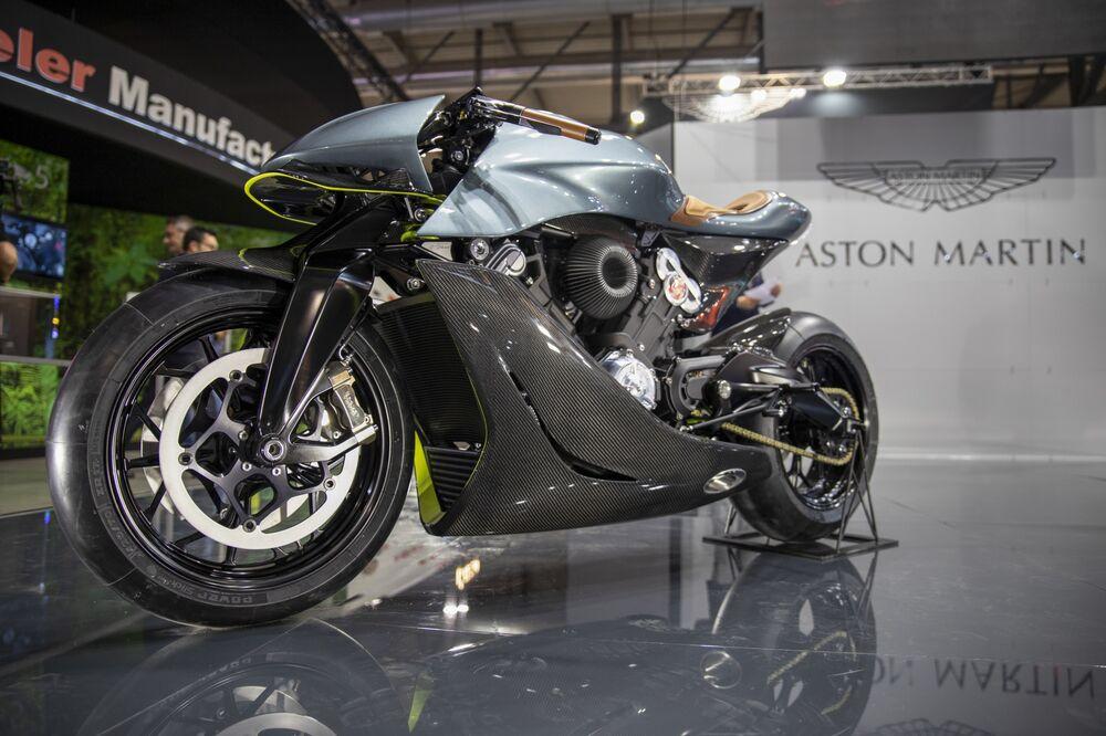 Aston Martin Motorcycle Amb 001 Milan Debut Specs Price Photos Bloomberg