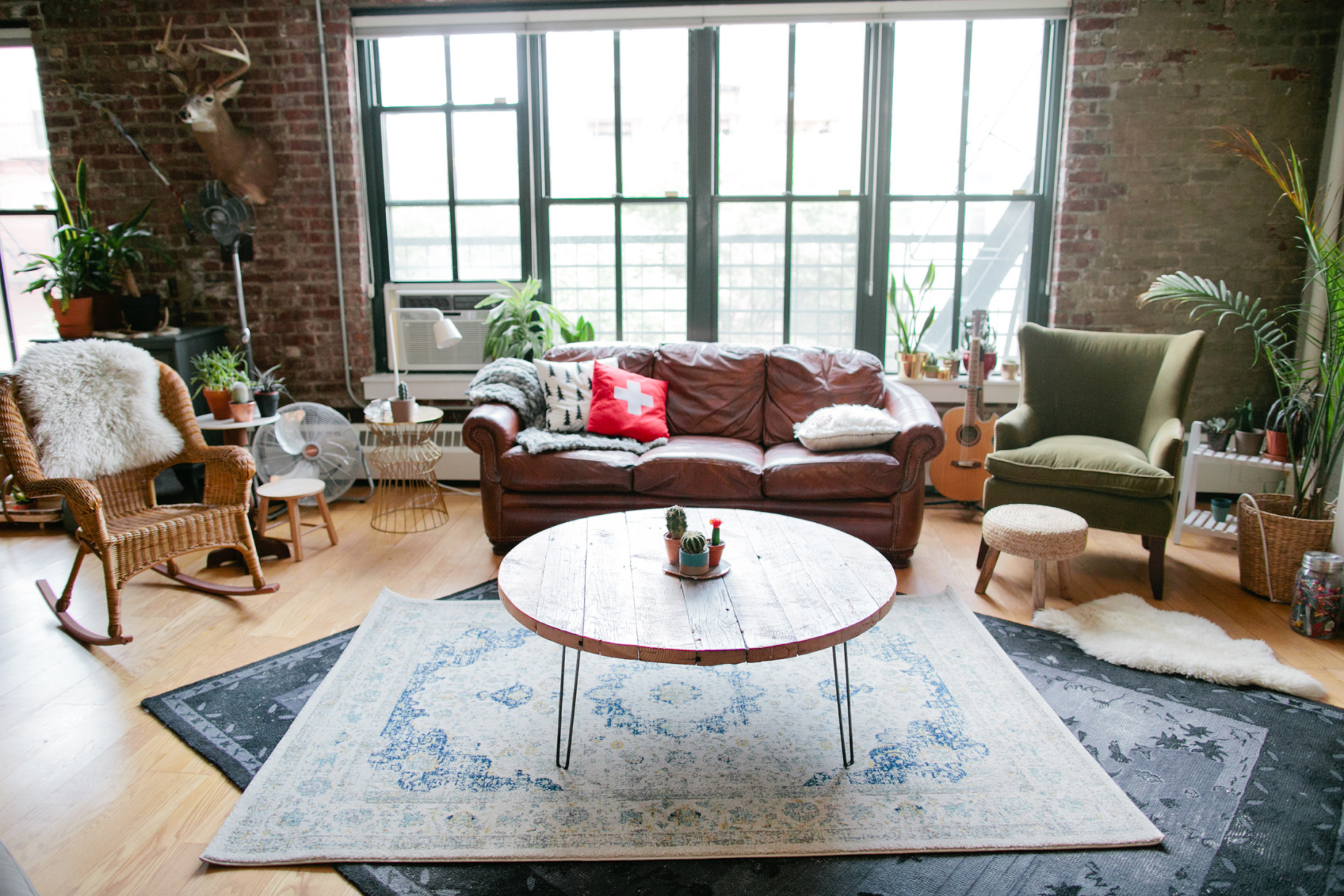 Couch Wars The Startup Trying to Corner the Used Furniture Market