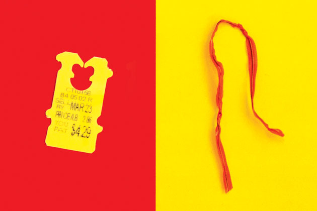 twist ties vs plastic clips tiny titans battle for the bakery aisle bloomberg - Bread Ties Color