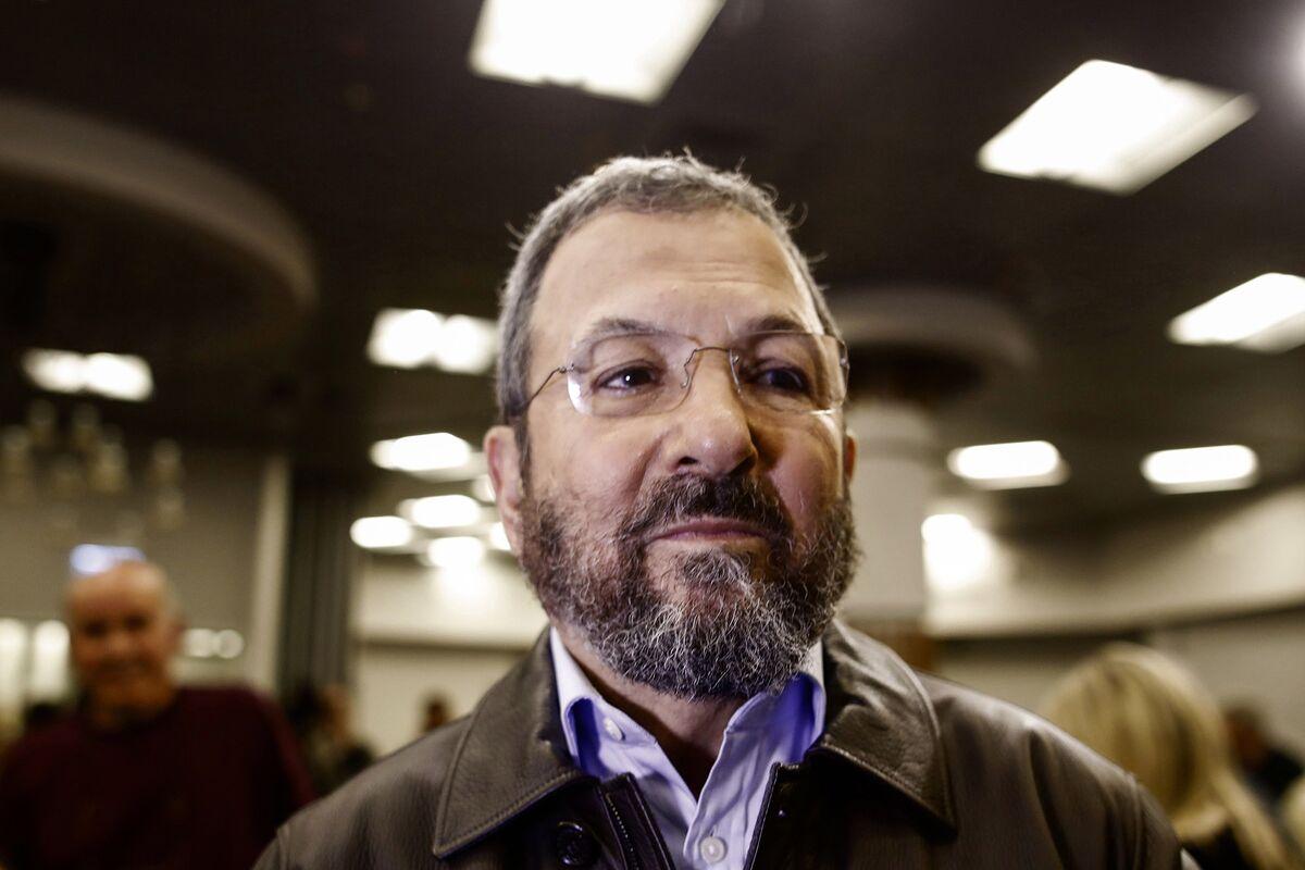 Israel's Ehud Barak Returns to Politics at Head of New Party