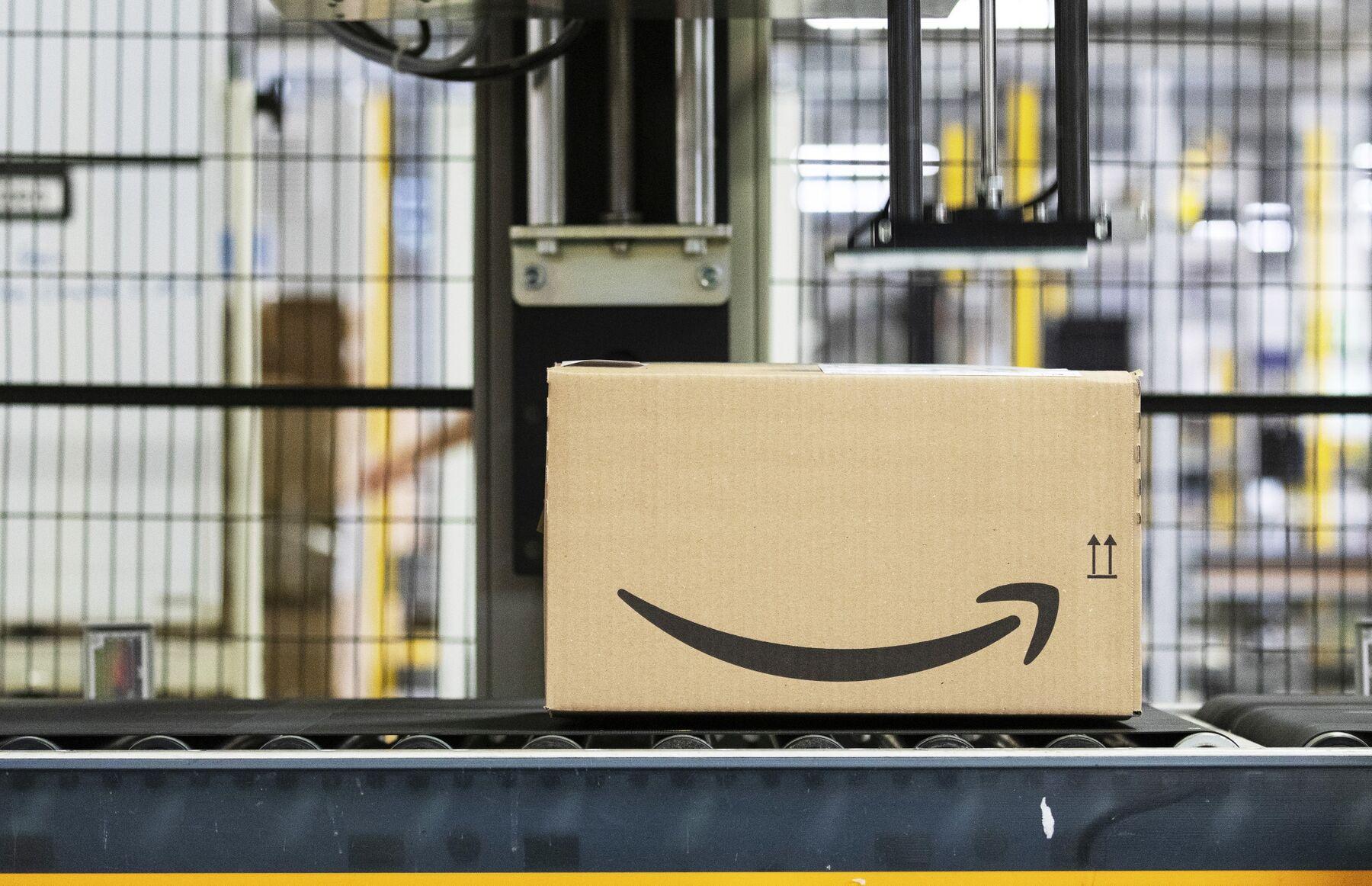 【企業】米アマゾンが時価総額で世界首位、マイクロソフト抜く【87兆円】