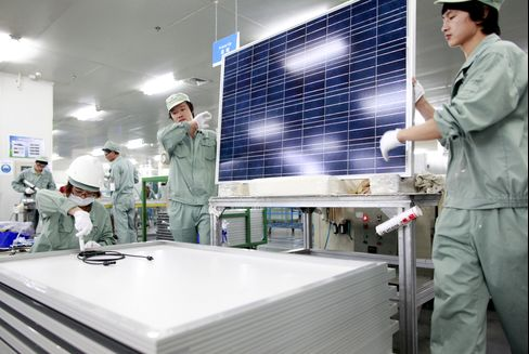 Tariffs Aimed at Chinese Solar Cells May Strike U.S. Industry