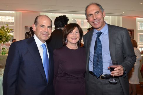 Jeffrey and Marjorie Rosen with Alan Mnuchin. Photographer: Amanda Gordon/Bloomberg