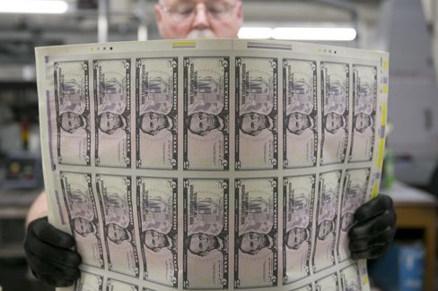 Dollar Index Rises to Almost 3-Year High Before Jobs, Home Data