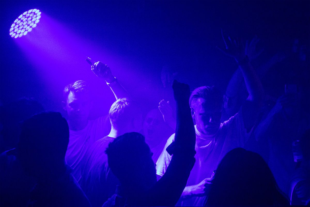 Covid Passports Plan for U.K. Nightclubs Sparks Business Ire