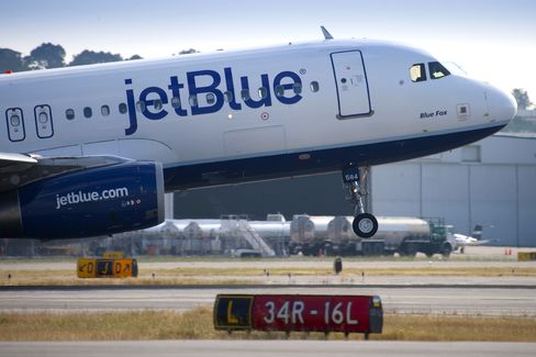 JetBlues $4 Fares Lure Angelenos Flying for Heck of It