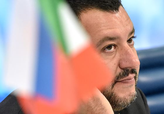 Salvini Hints at EU Vetoes Unless Sanctions on Russia Are Eased