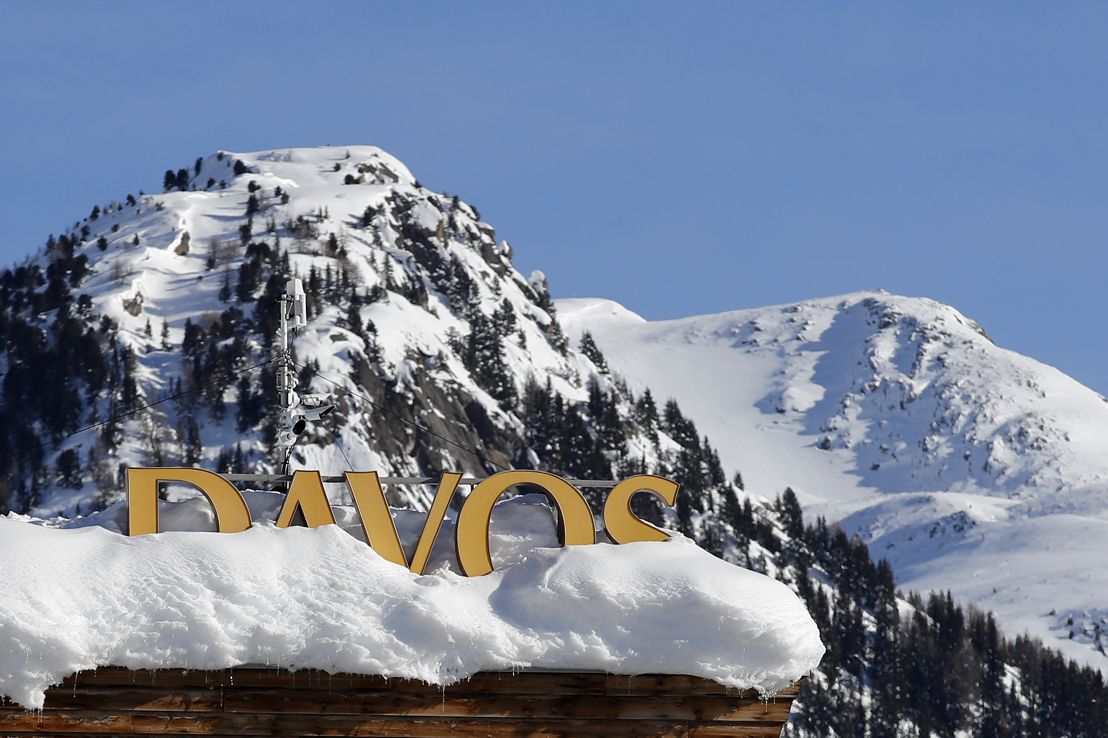Will Davos See a Clash Between Populists and Globalists?