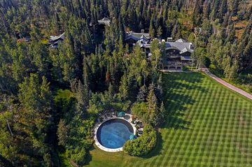 Billionaires Hunting For the Perfect Ranch Are Waiting For
