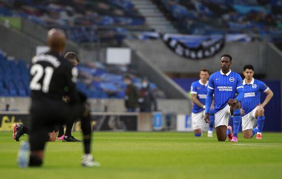 Boris Johnson Urges U.K. Soccer Fans Not to Boo Players Taking Knee