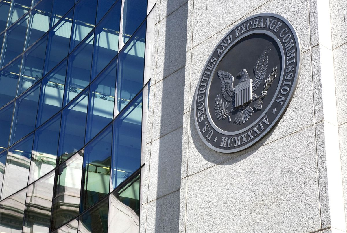bloomberg.com - Jesse Hamilton - SEC Gets Path to Rein In Stablecoins as U.S. Weighs New Rules
