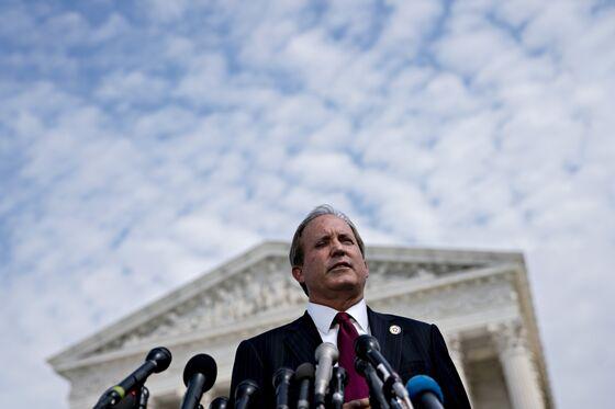 Texas Attorney General Demands Big Tech Explain Shunning of Parler