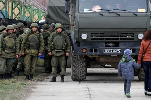 In Crimea's Capital, Gratitude for a Russian Takeover