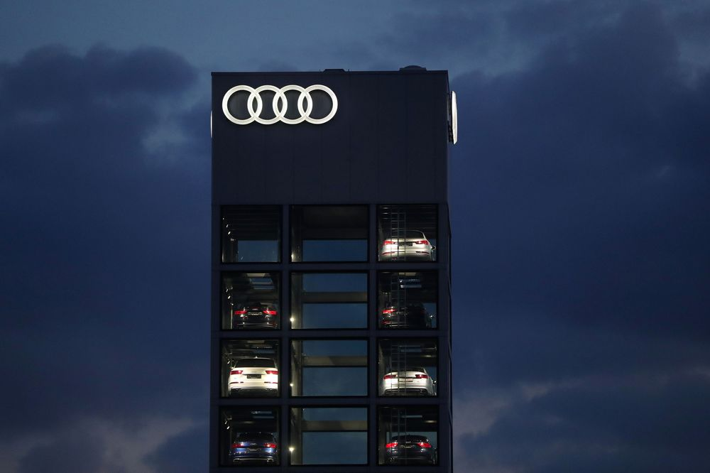 Suspended Audi Chief Faces at Least Another Week in Jail