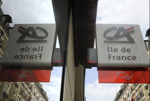 Credit Agricole, Societe Generale Debt Rating Cut by Moody's