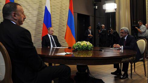 Putin, Aliyev and Sargsyan Meet