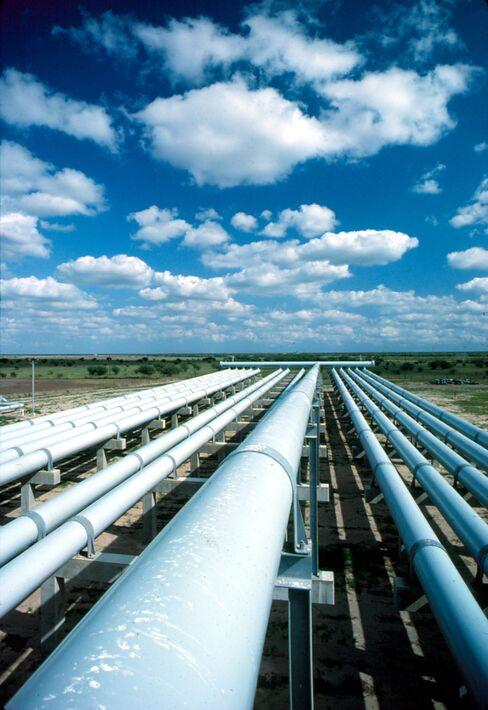 Williams Bets $2.4 Billion on Pipeline Venture Chesapeake Quit