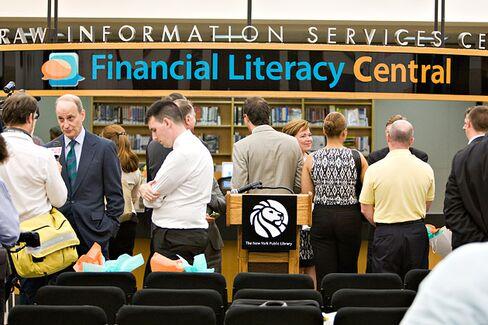 Debit Overdraft Fees Still Confound Consumers, Survey Finds