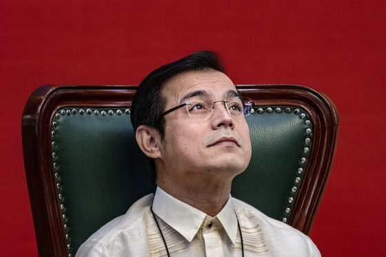 Manila Mayor Eyes Philippine Presidency in Challenge to Duterte