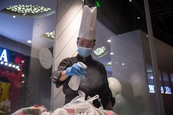 Wuhan's 11 Million People Are Free to Dine Out. But They Aren't