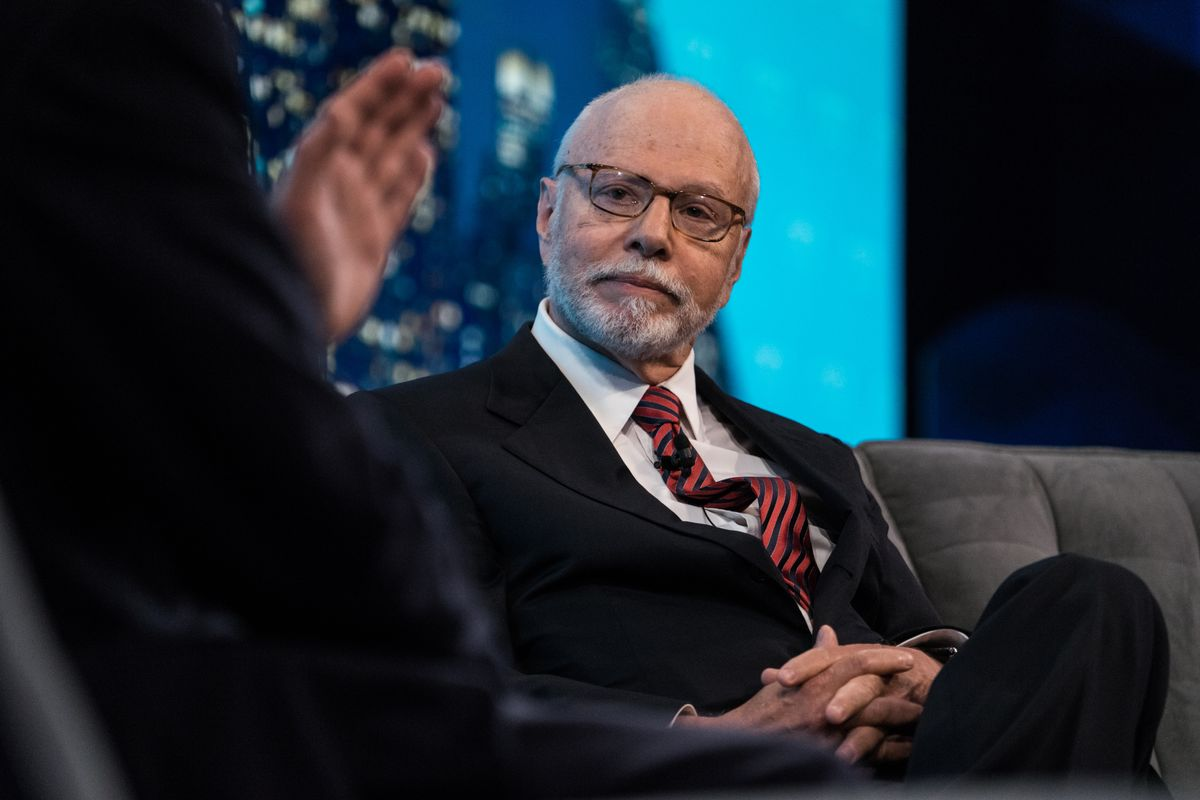 Elliott Said to Buy Stake in Agnellis' CNH Amid Spinoff Plan