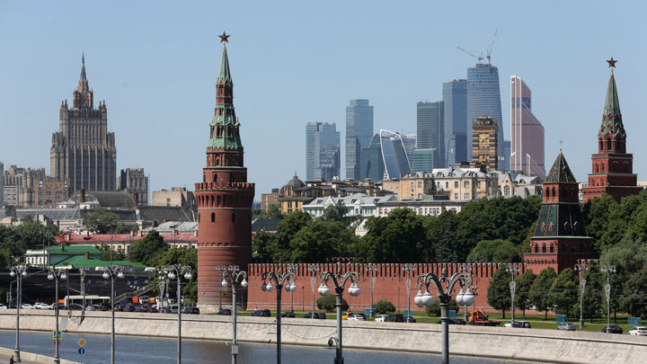 Panicking Investors Wonder If U S  Ire Dooms All Russian Stocks