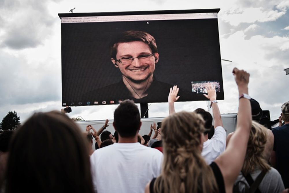 Snowden Is Turning Into a Liability for Putin