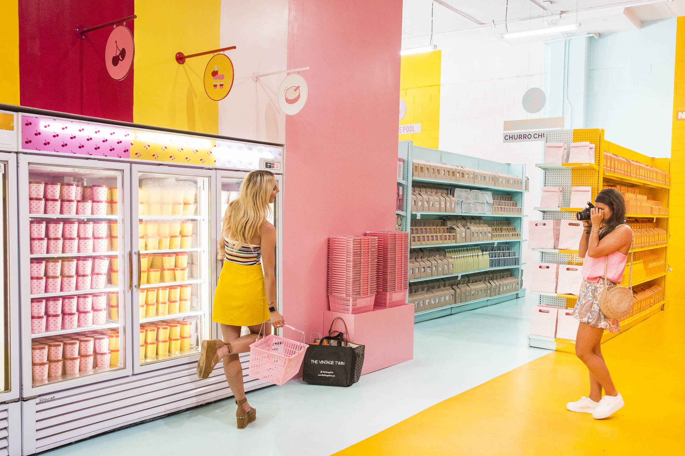 bloomberg.com - Emily McCormick - What If the Museum of Ice Cream Is the Future of Retail?